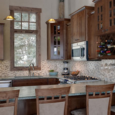 Traditional Kitchen Cabinets by Creative Cabinetry Corp