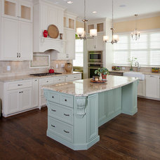 Traditional Kitchen by Colorful Concepts Interior Design