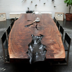 Custom dining table - Photography by BDDW