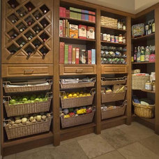 Traditional Closet by Custom Closet & Garage, Terry Hill