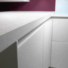 Contemporary Kitchen Cabinetry by Melgrati USA