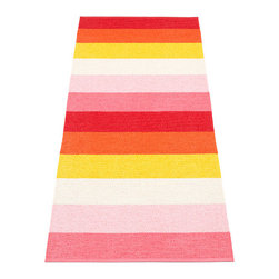 Pappelina - Pappelina Molly Plastic Rug, Summe - This  rug from Pappelina, Sweden, uses PVC-plastic and polyester-warp to give it ultimate durability and clean-ability. Great for decks, bathrooms, kitchens and kid's rooms