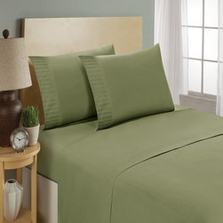Trade Linker - Luxury Collection 1600 Series Pleated Bed Sheet set  Queen   Sage - Luxury Collection represents the most sophisticated caliber of microfiber sheets you will find today. Brushed twice on the face and once on the back so that they are soft and silky to the touch  these exquisite sheets will add elegance and luxury to your bedroom ensemble.
