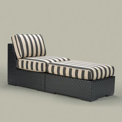 Traditional Outdoor Chaise Lounges
