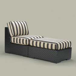 Traditional Outdoor Chaise Lounges -