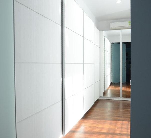 Contemporary Closet Storage by Melior Kitchen