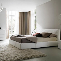 Made in Italy Leather Elite Modern Bedroom Set - Touch modern Italian leather bedroom set. Rest your eyes on this spectacular modern platform bed.