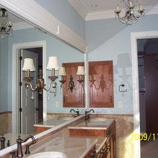 Traditional Bathroom by Grainda Builders, Inc.