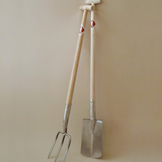 contemporary gardening tools by OBJECTS of USE