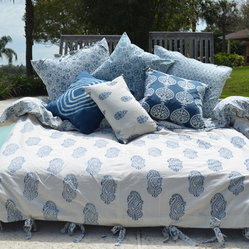 Alamwar - French Country Duvet - A two-sided duvet gives you all the versatility you need to make a dream-worthy bed. The complementary patterns work off each other beautifully when one side is strategically pulled back. Add a few shams for texture and dimension and you'll be ready for naptime.