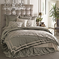Lili Alessandra - Lili Alessandra Versailles Silver Duvet Cover or Set - Lili Alessandra is known for unique and distinctive linens marked by elaborate prints, plush fabric and elegant details. This luxurious coordinating bedding creates a lavish boudoir without a lot of fuss. The Versailles silver bedset is defined by a sophisticated white velvet border with classic arched corner details. The opulent Versailles duvet cover lays the foundation for this classic bedding ensemble, while optional pieces from the Chloe collection add depth and dimension to the bedroom. Lili Alessandra textiles reflect a hand made artistry that may result in slight and expected design variations.