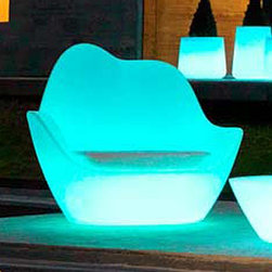 Vondom - Vondom | Sabinas Lounge Chair Illuminated - Design by Javier Mariscal, 2012.