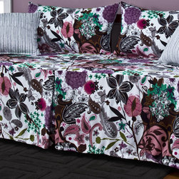 SIScovers - Garden Fantasy White 5-piece Daybed Ensemble - This daybed cover features a vibrant floral print to add life to home decor. Two matching king shams are included,as well as soft toss pillows that add to the design as well as the comfort.