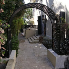 Traditional Home Fencing And Gates by Gator Welding, Inc