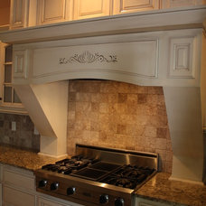 Traditional Kitchen by State of the Art