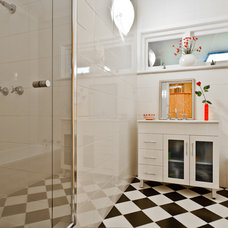 Contemporary Bathroom by Putra Indrawan Photography