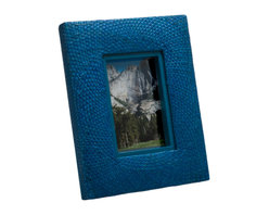 Kouboo - Pandan Picture Frame, Blue - Bring some fun color to your home by framing family pictures and special moments into this colorful photo frame. The frame is hand woven from Pandan in a circular pattern adding refinement this unique picture frame.