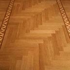 Entry - Red Oak herringbone floor pattern with decorative border