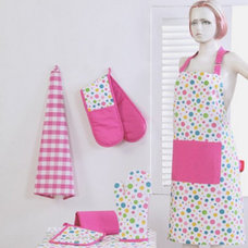 Modern Aprons by Homescapes Europa Ltd