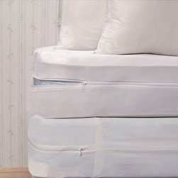Bed Guard - Bed Guard Bedbug Protective King-size Bedding Set - Sleep more comfortably with this waterproof California king-size bedding set. It includes a mattress protector, a box-spring cover, and two zippered pillowcases. Each piece is hypoallergenic and machine washable for your convenience.