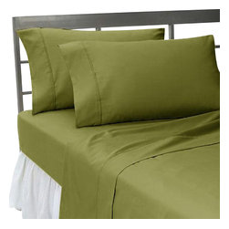 Hothaat - 600TC Solid Moss California King Fitted Sheet & 2 Pillowcases - Redefine your everyday elegance with these luxuriously super soft Fitted Sheet. This is 100% Egyptian Cotton Superior quality Fitted Sheet that are truly worthy of a classy and elegant look.