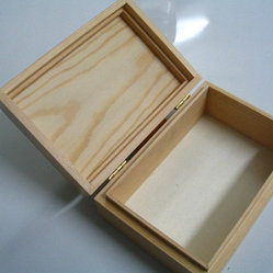 Pine wood box with hinged top