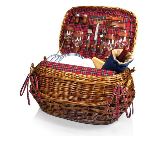 Picnic time - Highlander Willow Red Tartan Dlx Picnic Basket for 4 - The Highlander picnic basket has old world charm and sophistication like no other basket. This chestnut colored willow Bombay-style basket is lined with quilted red tartan cotton and has deluxe service for four. It comes with all the amenities you will need. Experience the wonder of the perfect picnic with the Highlander.