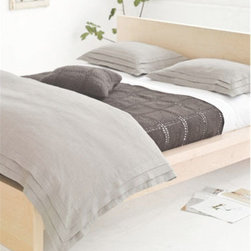 Pine Cone Hill - Pine Cone Hill Pleated Linen Natural Duvet Cover - Clean lines with a touch of delicate pleating provides your bedroom retreat with an updated and classic look. The Pine Cone Hill linen collection is made from 100% linen and can be machine washed in cold on a gentle cycle. Tumble dry low. Do not bleach. Warm iron if needed. Available in twin, full/queen or king sizes.