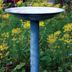 PineBush - Birdbath Antique Grey - Graduated basin to accommodate many varieties of garden birds. Finished in antique grey. Made of cold rolled steel.
