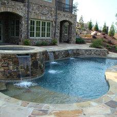 Traditional Pool by Atlanta Pools, Inc.