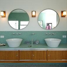 Contemporary Bathroom by Jeff King & Company