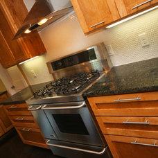 Kitchen by Gossett Jones Homes