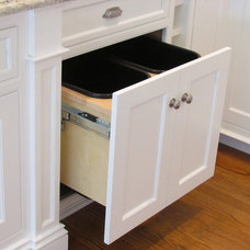 Traditional  by Architectural Kitchens Inc.