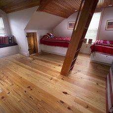 Traditional Hardwood Flooring by Carlisle Wide Plank Floors
