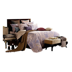 Dolce Mela - Dolce Mela DM475 Jacquard Damask Luxury Bedding Duvet Covet Set, King - A luxurious and radiant design is presented on this duvet cover set featuring elegant corn-silk damask patterns on a light steel-blue background to create a trendy decor.