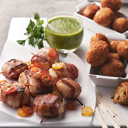 Horchow - Bacon-Wrapped Sea Scallops & Crab-Meat Jalapeno Kickers - Bacon-Wrapped Sea Scallops & Crab-Meat Jalapeno KickersDetailsPlace in refrigerator upon receipt.Saute scallops in olive oil 5-8 minutes per side. Deep fry kickers.Each order includes a 12-ounce jar of onion-blossom horseradish dip. Serves 6-8.Perishable items are shipped to you directly from our vendors. Therefore if you need to cancel an order we must receive the cancellation at least four days prior to your requested delivery date. We added all garnishes as inspiration for your own presentations.Allergen Information: Contains shellfish and wheat.