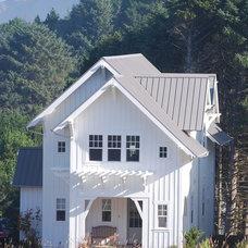 Traditional Exterior by Duncan McRoberts Associates, LLC