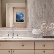 Contemporary Bathroom by Studio 212 Interiors