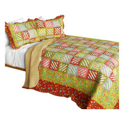 Blancho Bedding - [Paradise Ranch] 3PC Cotton Contained Patchwork Quilt Set (Full/Queen Size) - Set includes a quilt and two quilted shams (one in twin set). Shell and fill are 100% cotton. For convenience, all bedding components are machine washable on cold in the gentle cycle and can be dried on low heat and will last you years. Intricate vermicelli quilting provides a rich surface texture. This vermicelli-quilted quilt set will refresh your bedroom decor instantly, create a cozy and inviting atmosphere and is sure to transform the look of your bedroom or guest room. Dimensions: Full/Queen quilt: 90 inches x 98 inches  Standard sham: 20 inches x 26 inches.