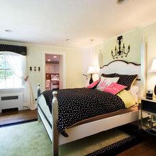 DP_DeLeon-pink-black-bedroom_s4x3_lg.jpg