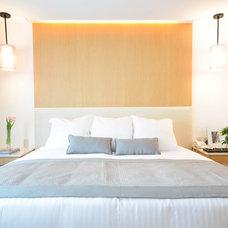 Modern Bedroom by Elizabeth Tuachi Diseño de interiores