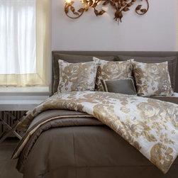 Finest Silk Bedding for Your Valentine - Did you know you can improve your health while you sleep? When you use silk sheets on your bed, you are investing in your health in numerous ways.