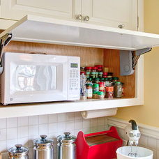 Traditional Kitchen Cabinetry by Big Branch Woodworking