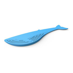 Contemporary Blue Whale Strainer - Sure, harbor seals are charming and dolphins are smarter than most senators, but when it's time to strain the pasta from your big pot, only a whale will do!   Let our hand-held Big Blue Whale Strainer make a big splash in your kitchen!