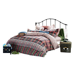 Dolce Mela - Dolce Mela 6-Piece Duvet Covet Set - Eros is a colorful contemporary bedding ensemble featuring artistic patch work with earth tone colors that brings a sophisticated twist to your bedroom's decor.