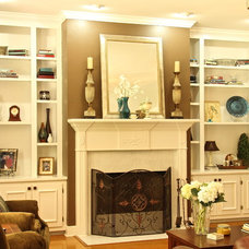 Traditional Living Room by All 4 Show, LLC