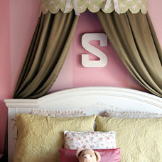 Original_Shoshana-Gosselin-kids-windowbox-bed-crown_s3x4_lg.jpg