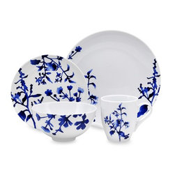Oneida Tranquility Blue 16-Piece Dinnerware Set - The gorgeous blue floral design of this dining set adds a tranquil touch of beautiful color to your table.
