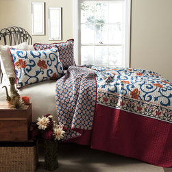 Lush Decor - Lush Decor Scroll Flower 3-Piece Quilt Set - This beautiful quilt set with a floral print will add charm and style to your decor. Made from 100 percent cotton,this quilt set is as comfortable as it is durable.