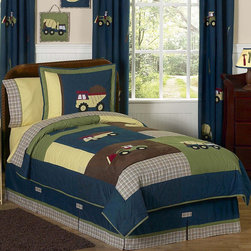 Sweet Jojo Designs - Sweet Jojo Designs Boys 'Construction Zone' 3-piece Full/Queen Comforter Set - Keep your little trucker happy with this adorable bedding set from Sweet Jojo Designs. A masculine color scheme and lightweight comforter ensures that this set is the perfect choice for the little man in your life.